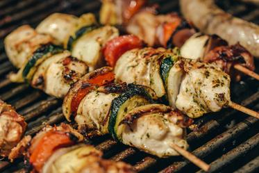 grilled-chicken-kabobs_373x.progressive