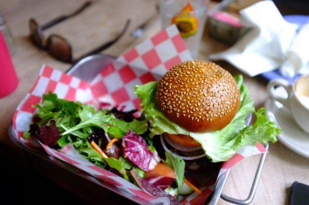 burger-salad-1000x667